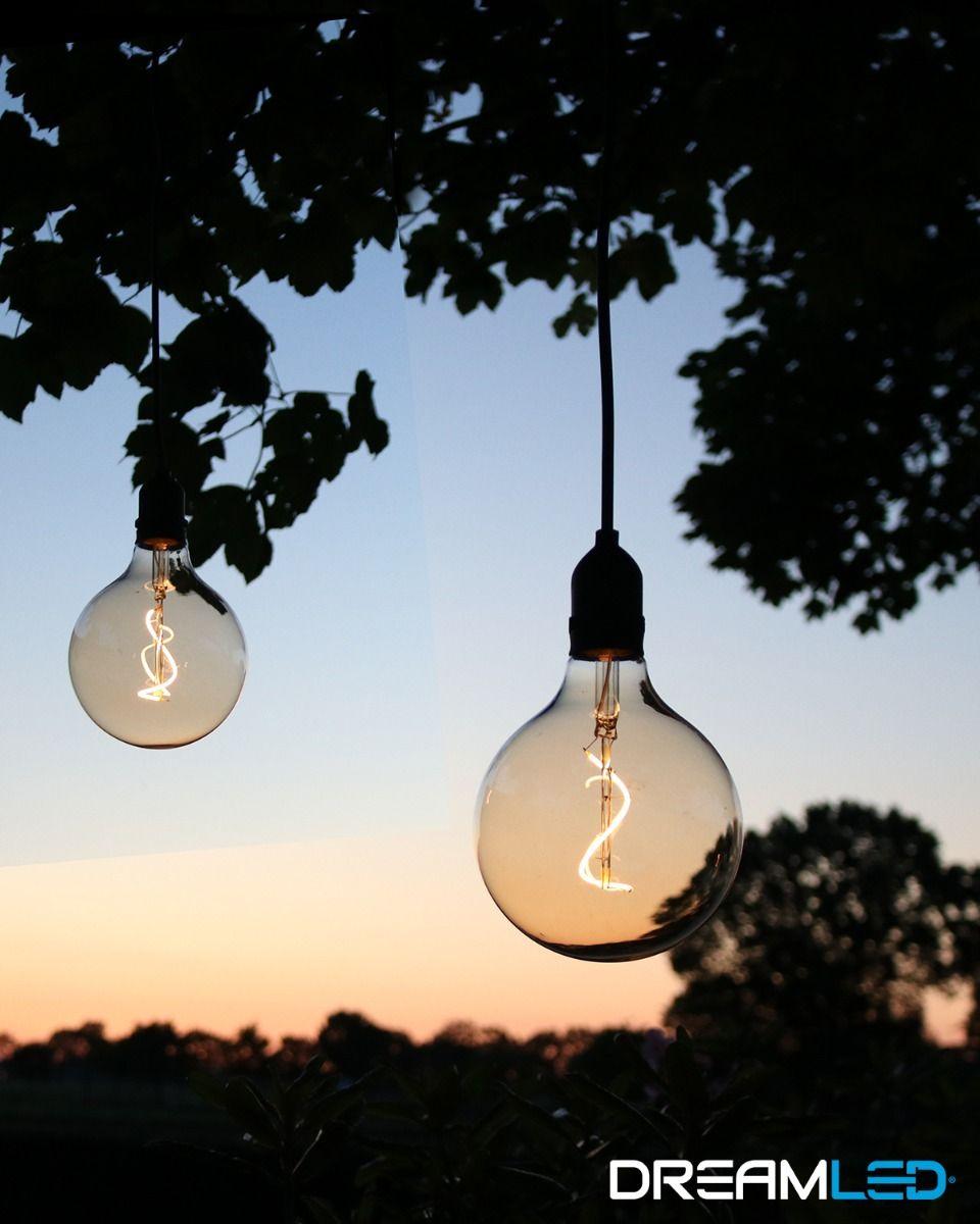 2 led-hanglampen op batterijen